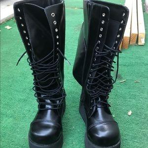 Demonia boots new